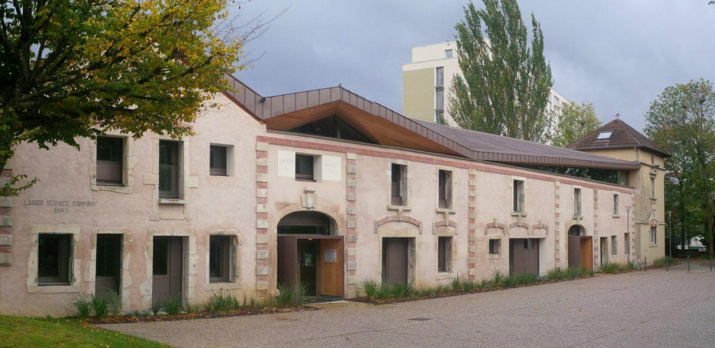 Construction de salles dans l'ancienne ferme du Charmois à Vandoeuvre-les-Nancy